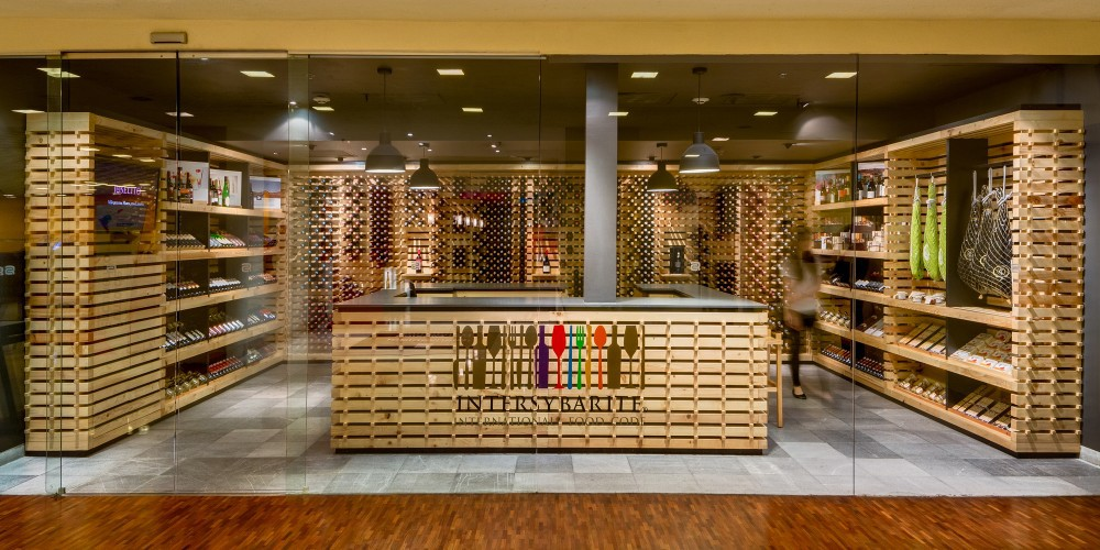 Mexico City Wine Shop Makes Excellent Use Of Recycled