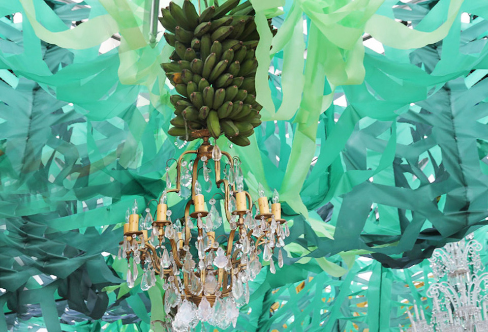 Food-Design-banana-chandelier-faena