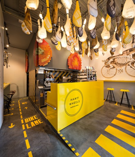 Speedy Graphic Design For Barcelona's New Ham On Wheels