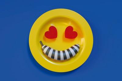 """Daniel Aristizabal's """"A Long Lasting Love Affair"""" for MOLD Snacks #01"""