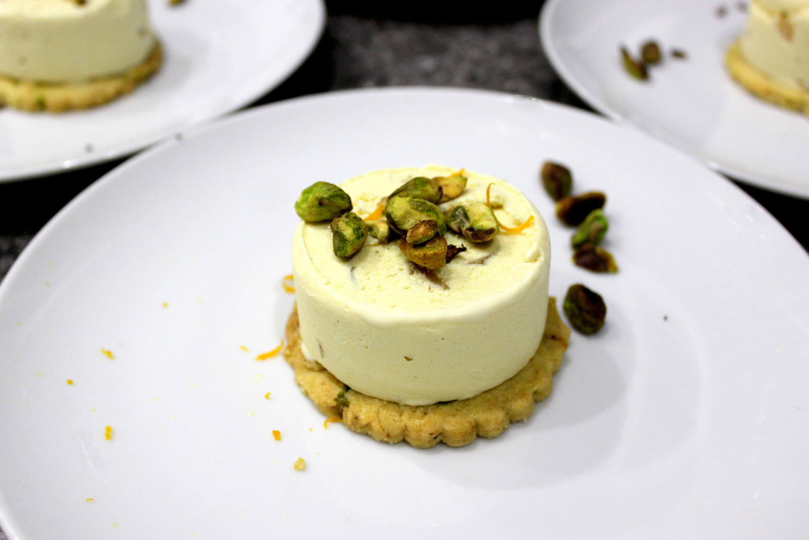 how-to-eat-christmas-tree-blue-spruce-ice-cream-with-orange-and-pistachio-shortbread-small