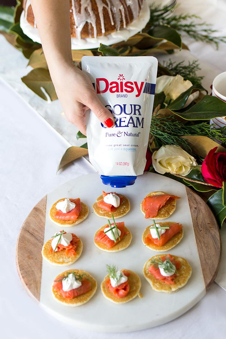 daisy_sour-cream-squeeze-canape