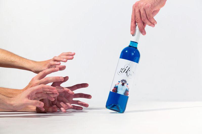 blue-wine-spanish-gik