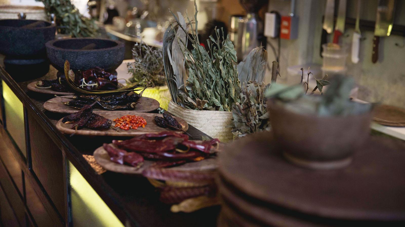 bosforo-restaurant-herbs3